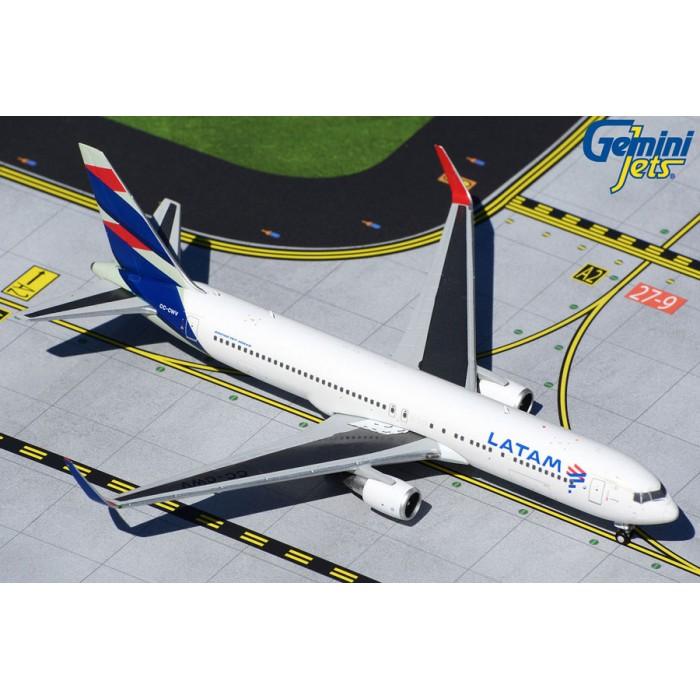 LATAM Airlines Boeing 767-300ER 1:400