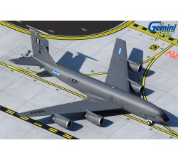USAF Boeing KC-135R Stratotanker 1:400