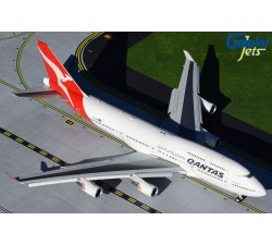 Qantas Airways Boeing 747-400 (flaps-down version) 1:200