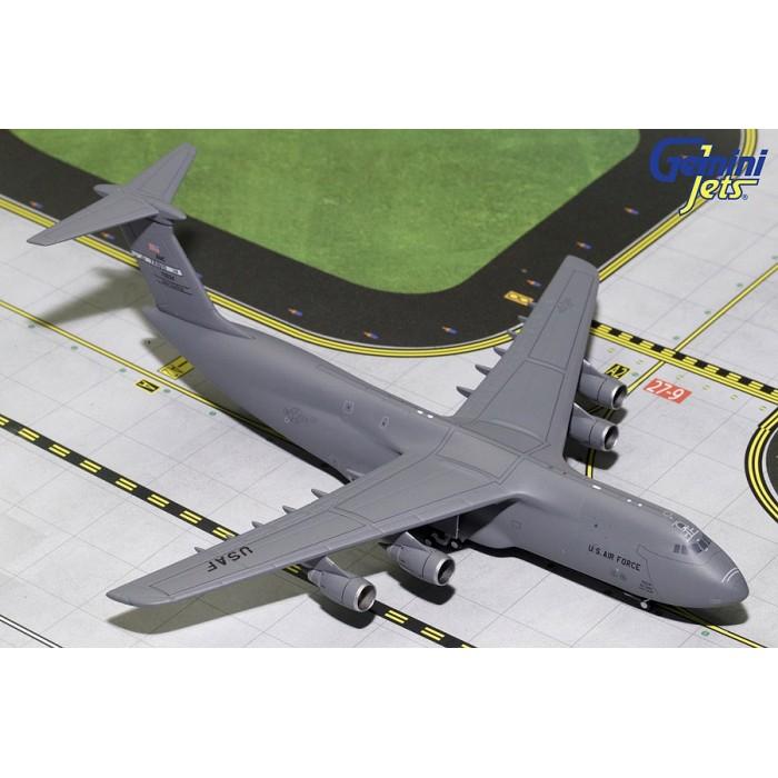 USAF Lockheed C-5M Travis AFB 1:400