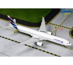 LATAM Airlines Boeing 777-300ER 1:400